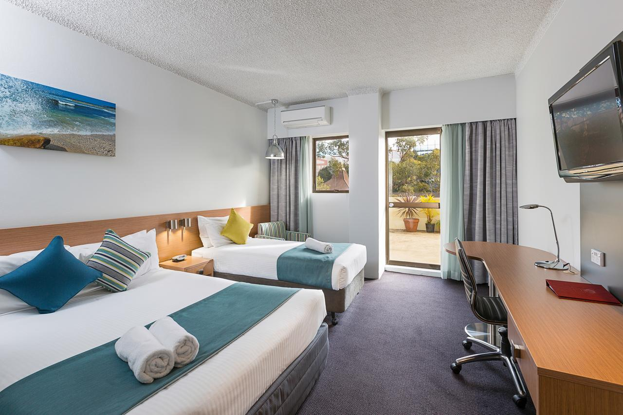 Metro Hotel Miranda - Australia Accommodation