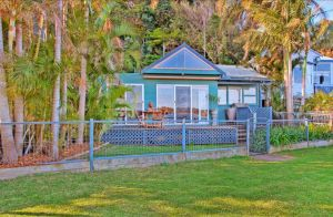 Swan Bay Hideaway - Australia Accommodation