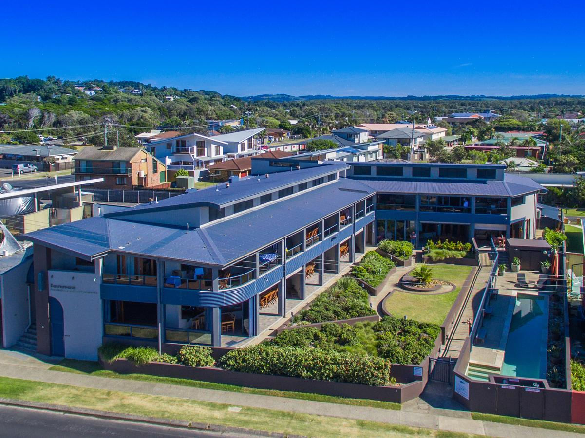 Lennox Holiday Apartments - Australia Accommodation