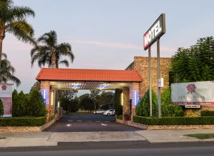 Centrepoint Midcity Motor Inn - Australia Accommodation