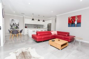 Best Central Wagga Townhouse - Australia Accommodation